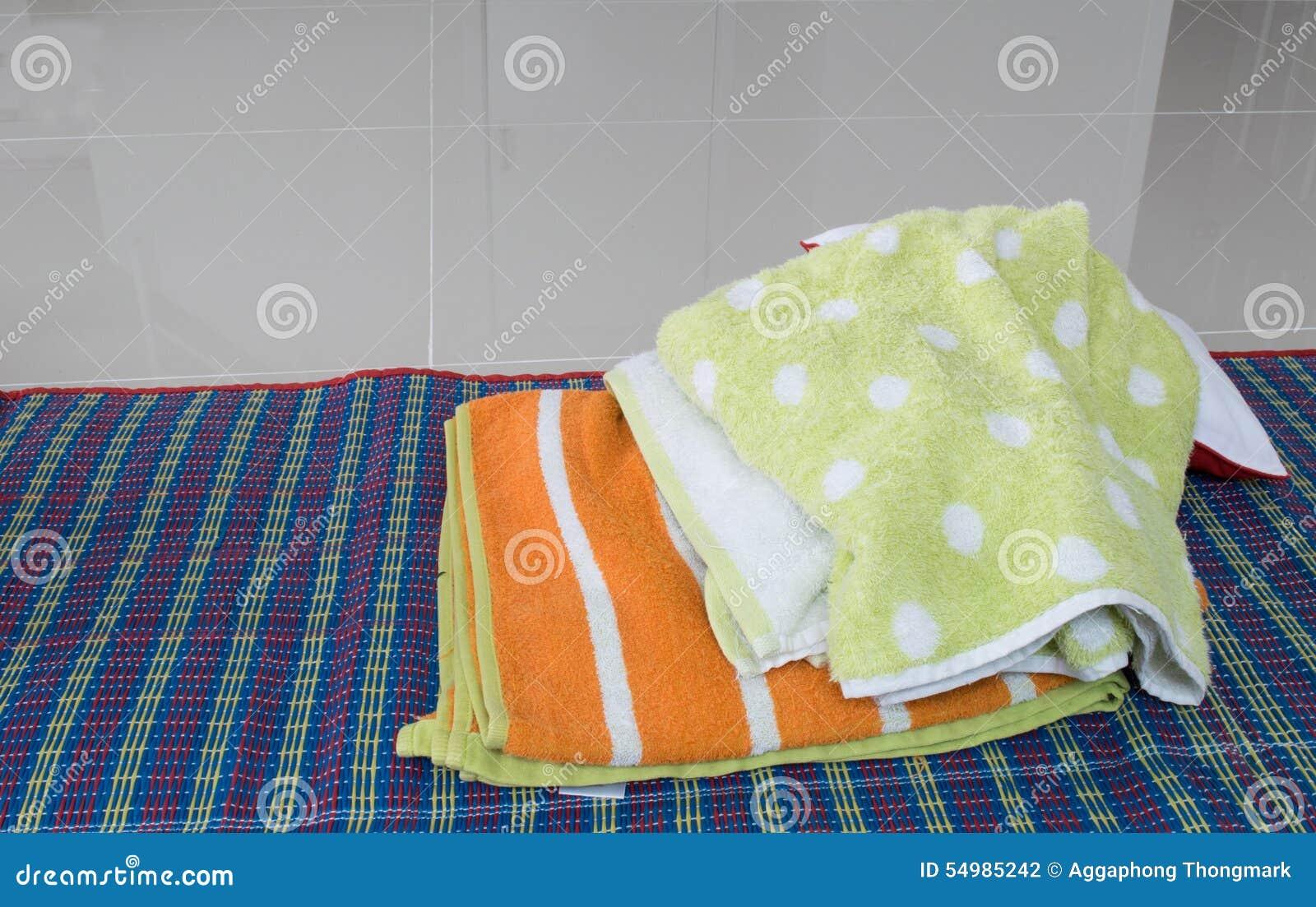 Färgrik handduk