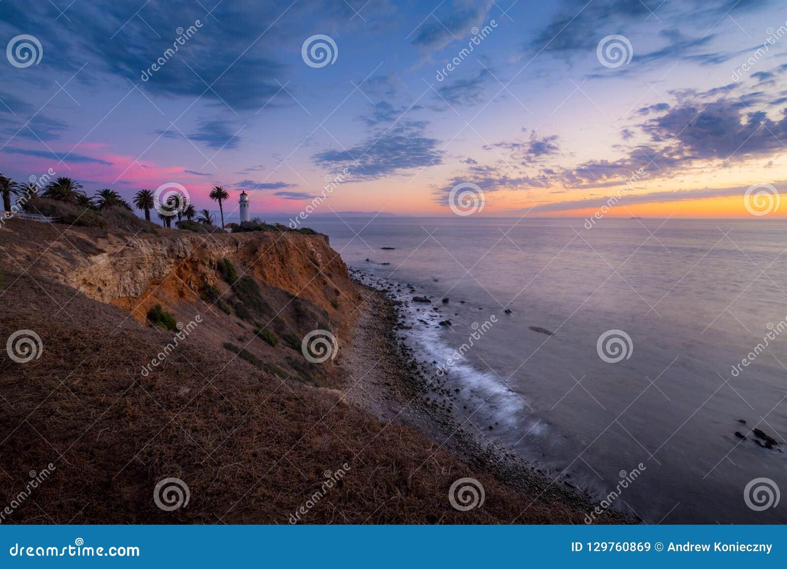 Färgrik himmel efter solnedgång på punkt Vicente Lighthouse