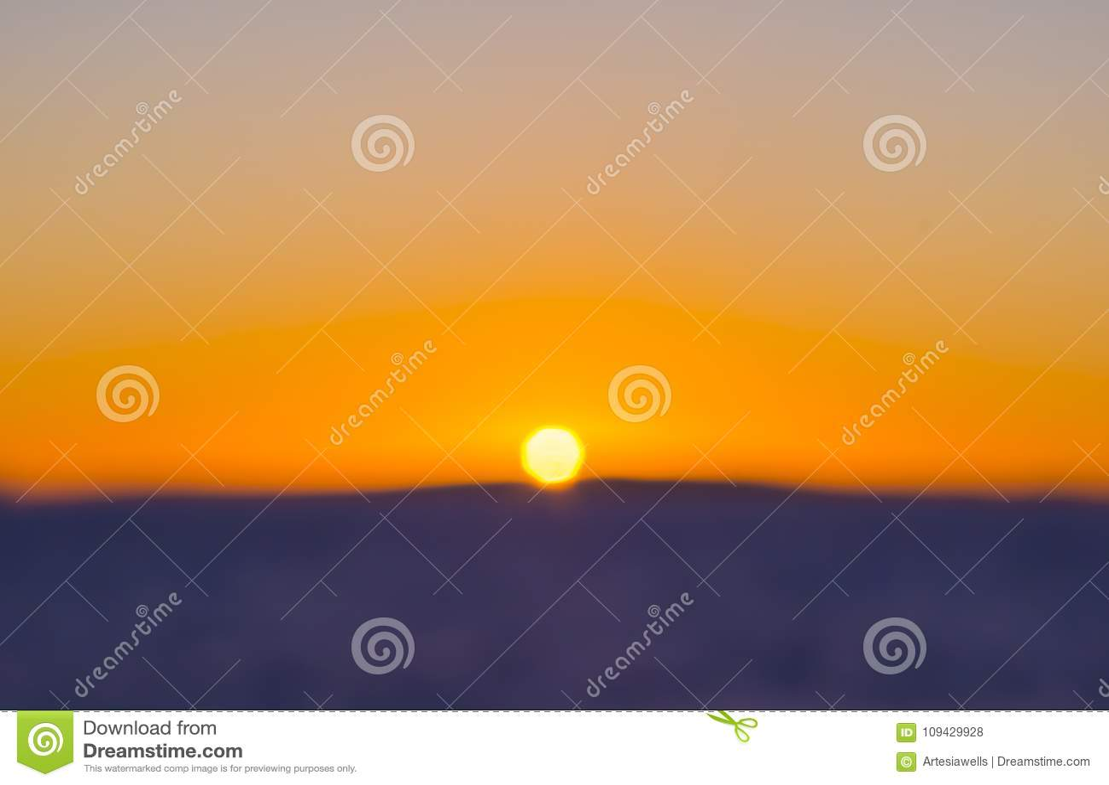 Färgrik solnedgångsuddighet