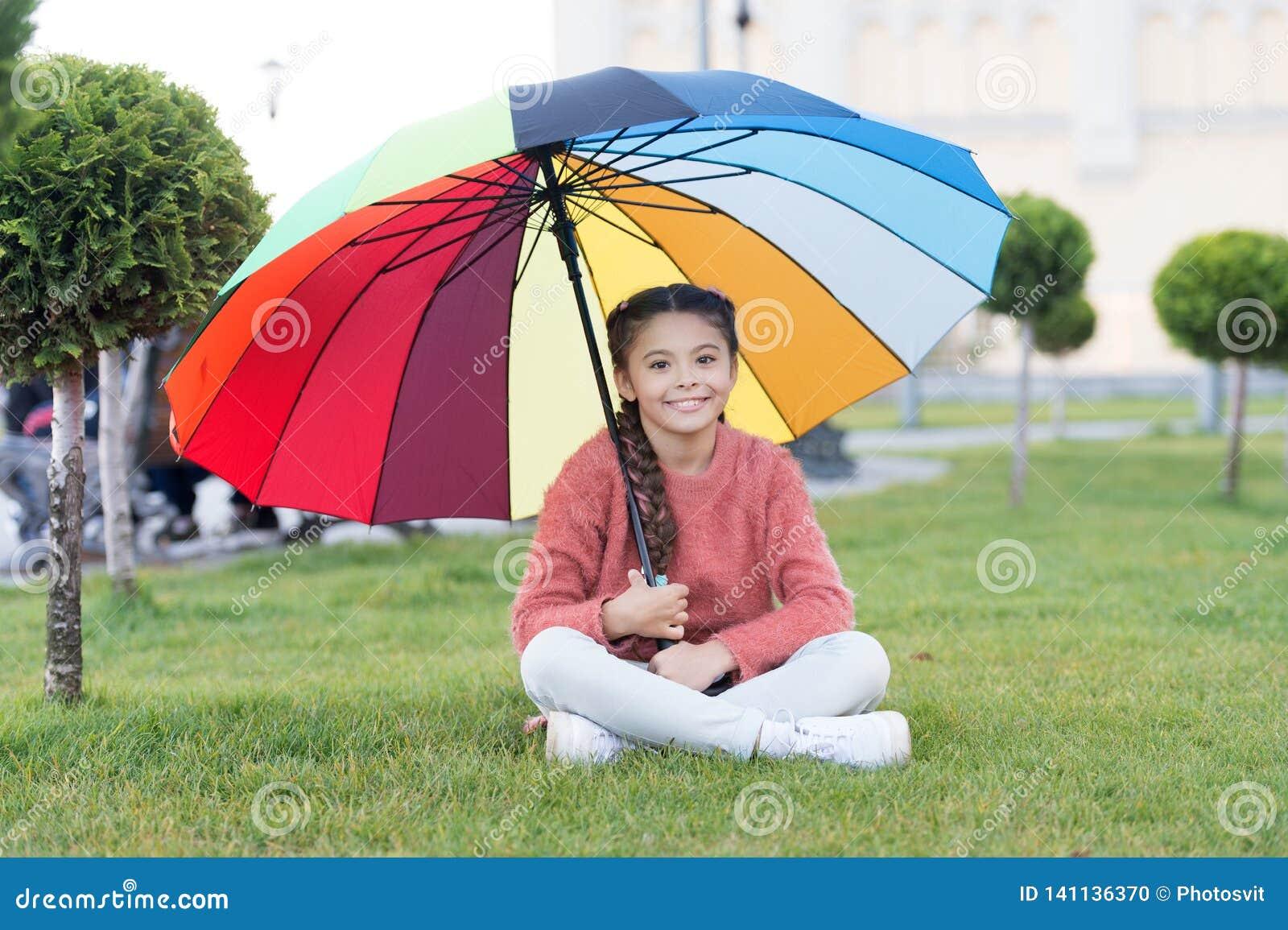 Färgrik tillbehör för gladlynt lynne Långt hår för flickabarn med paraplyet Färgrik åtföljande positiv påverkan brigham