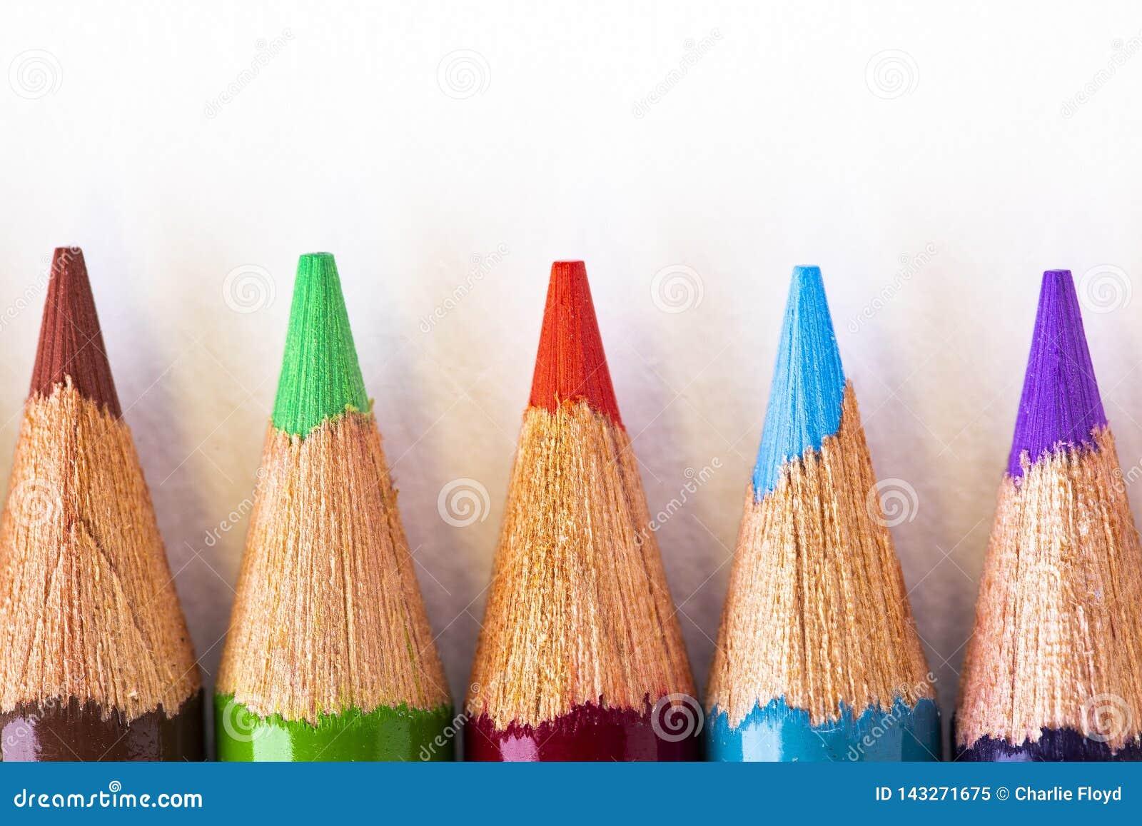 Färgrika blyertspennapunkter