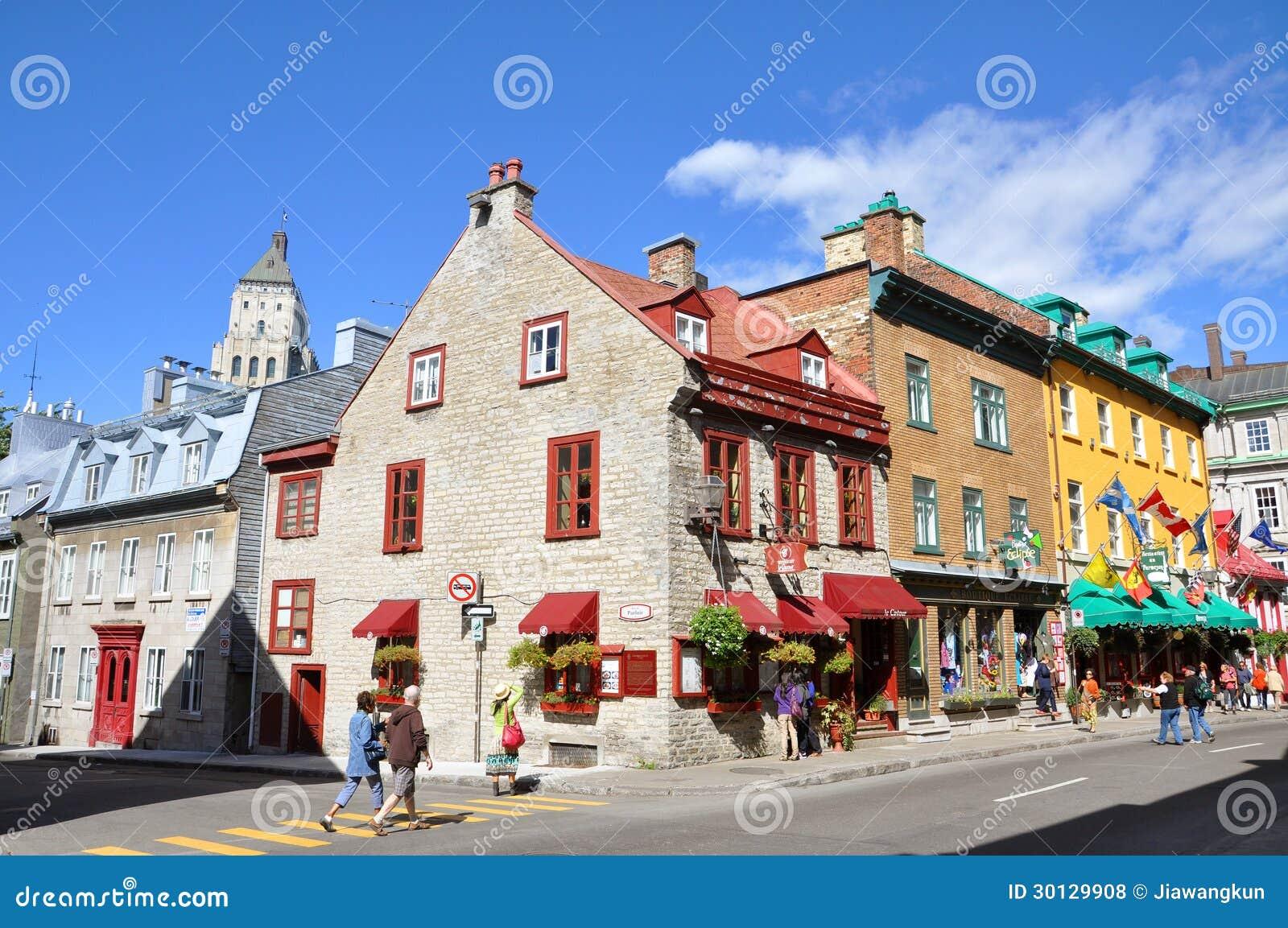 Färgrika hus på ruen St Louis, Quebec City
