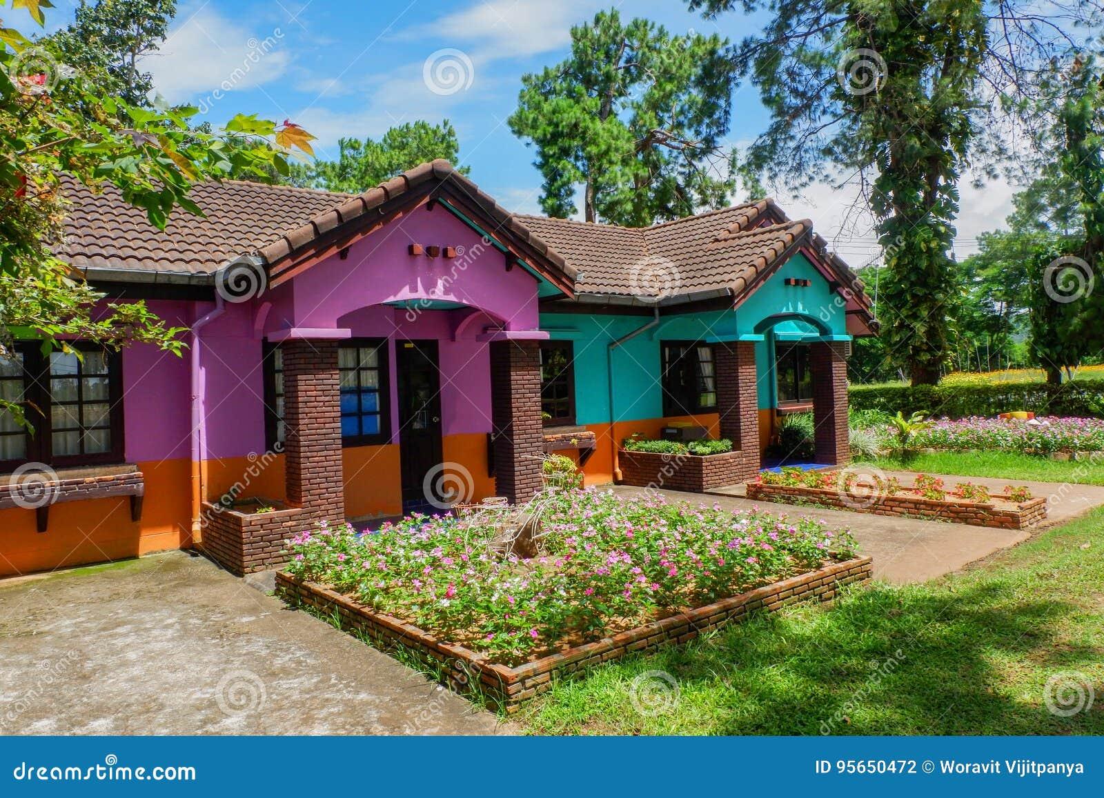 Färgrikt hus