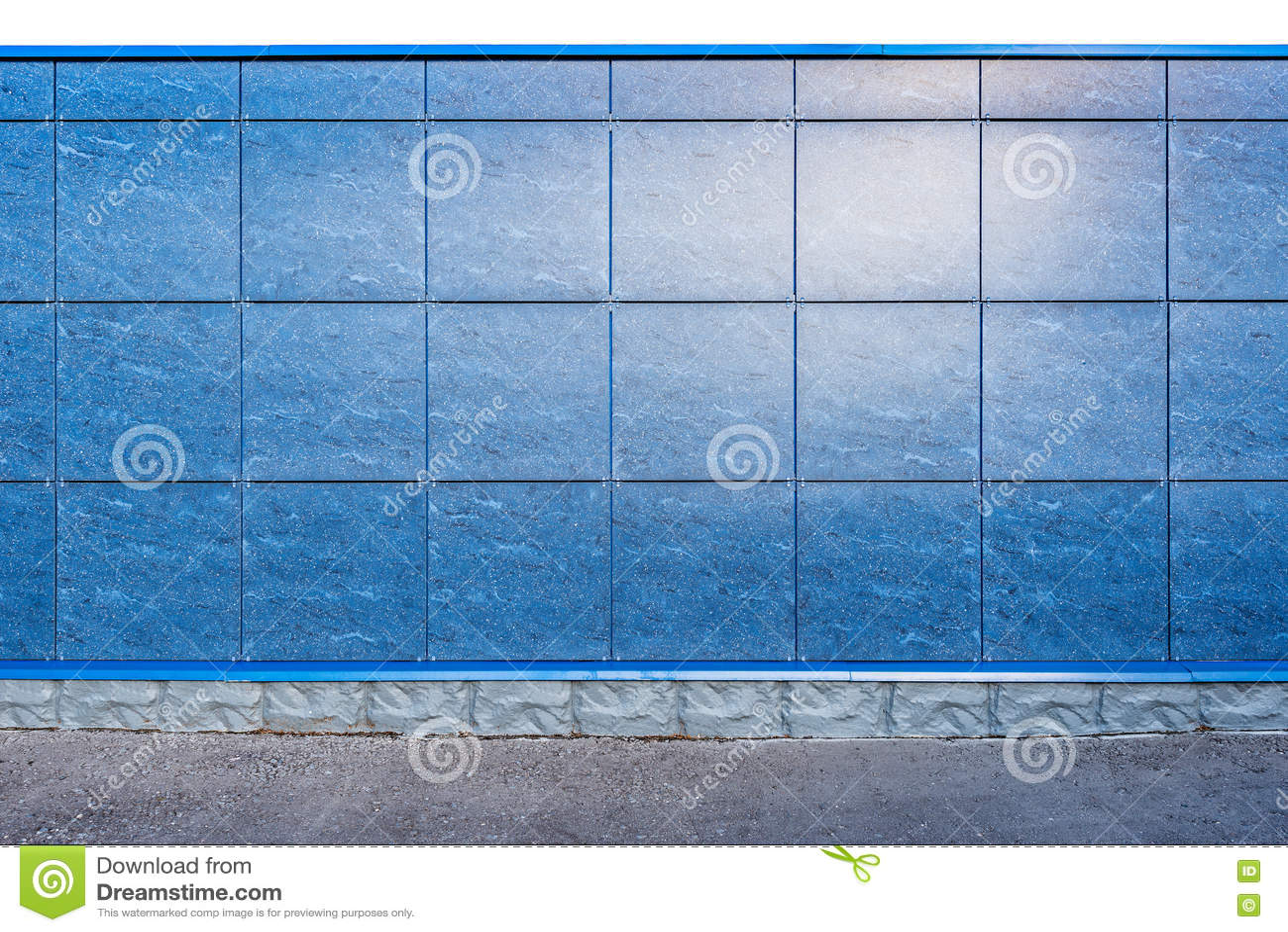 Färgrikt staket på jordningen