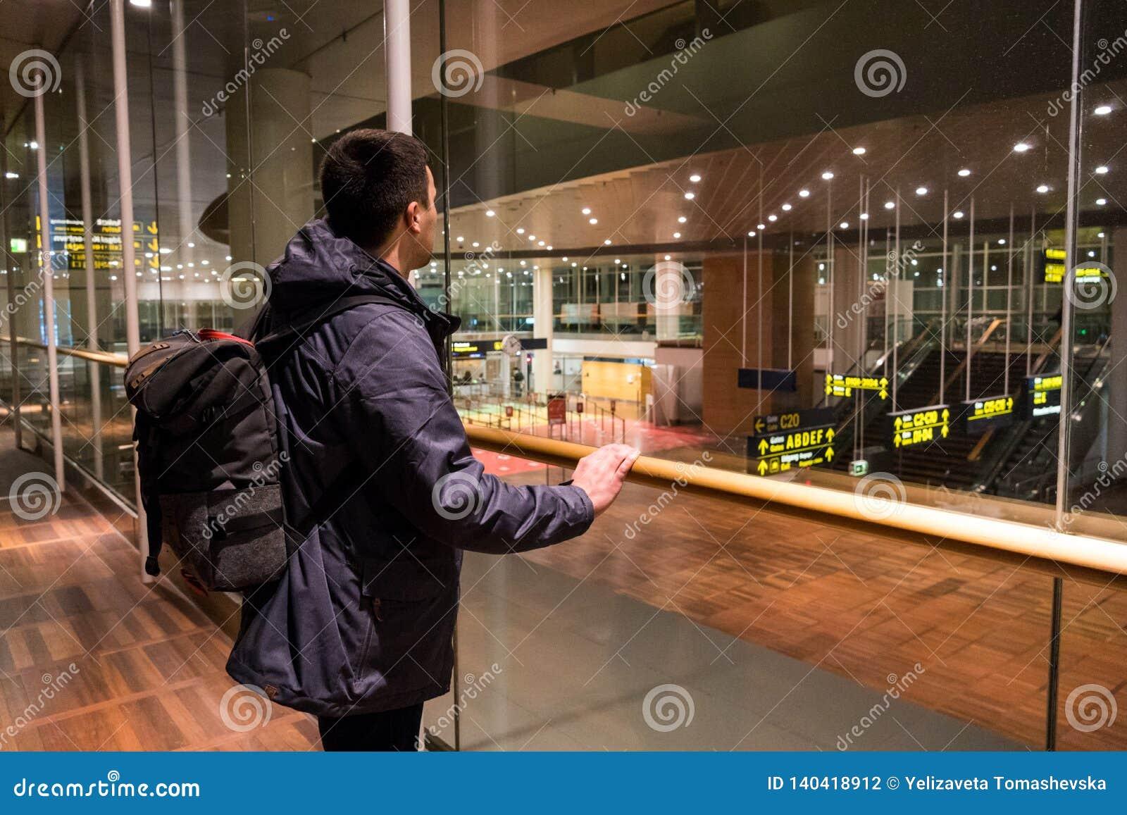 18 février 2019 Aéroport de Kastrup au Danemark, Copenhague Transport et architecture de thème Même vide vide de nuit abandonné