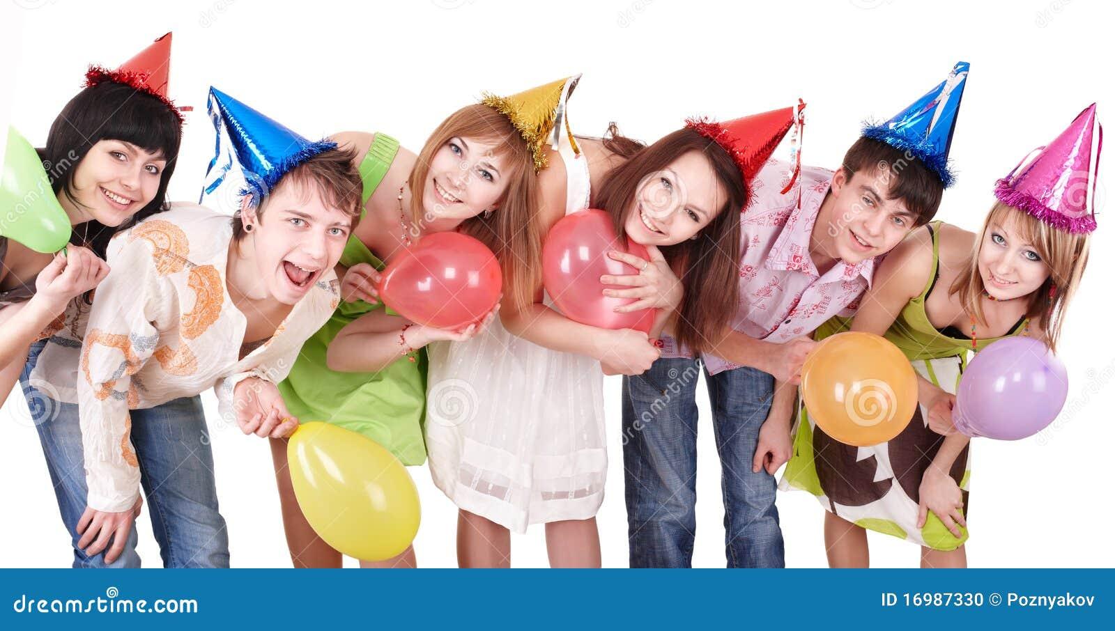 Födelsedagen firar grupptonåringar