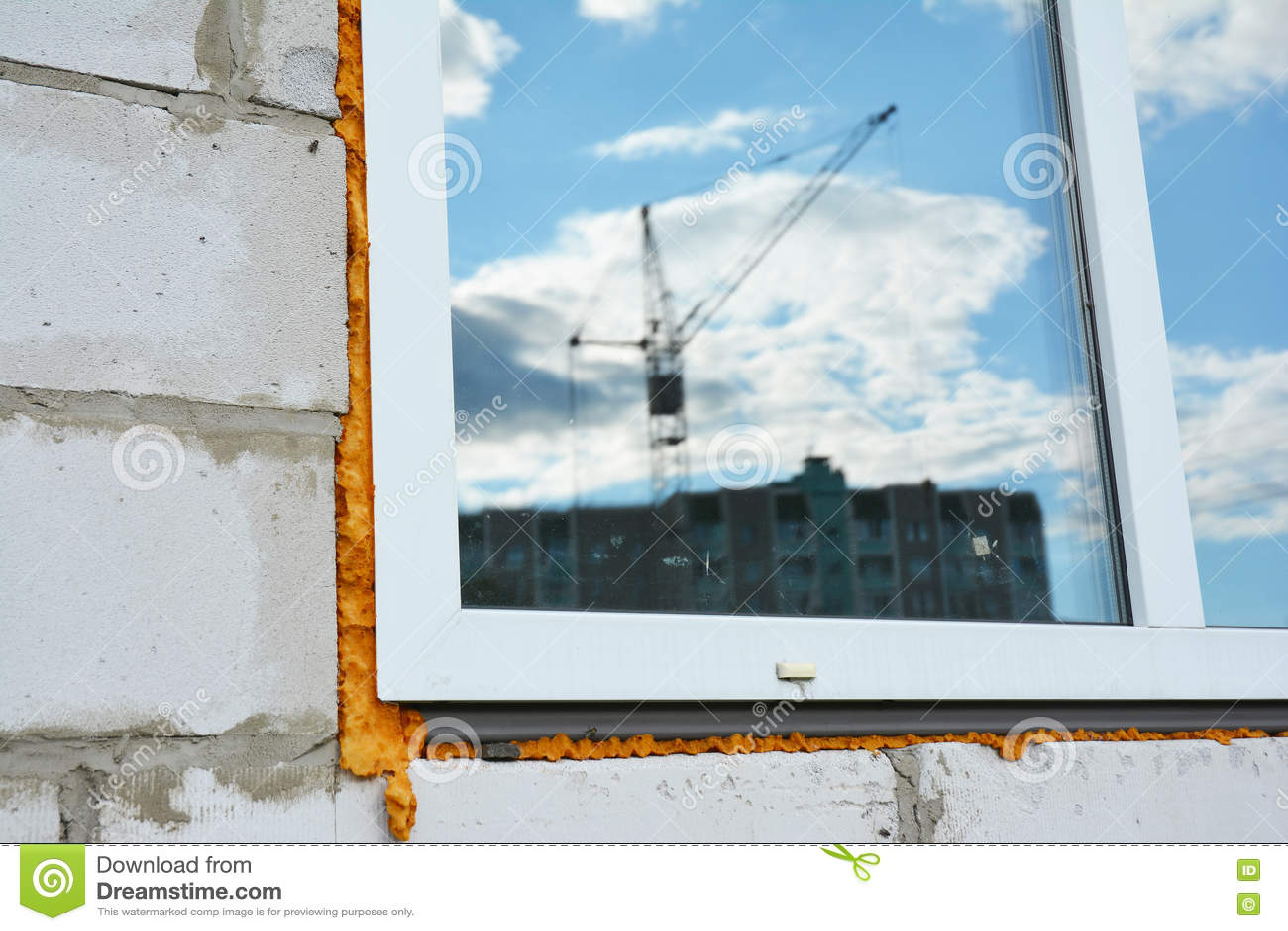 Fönsterkonstruktion med isolering Fönsterinstallations- och utbytesdetaljer