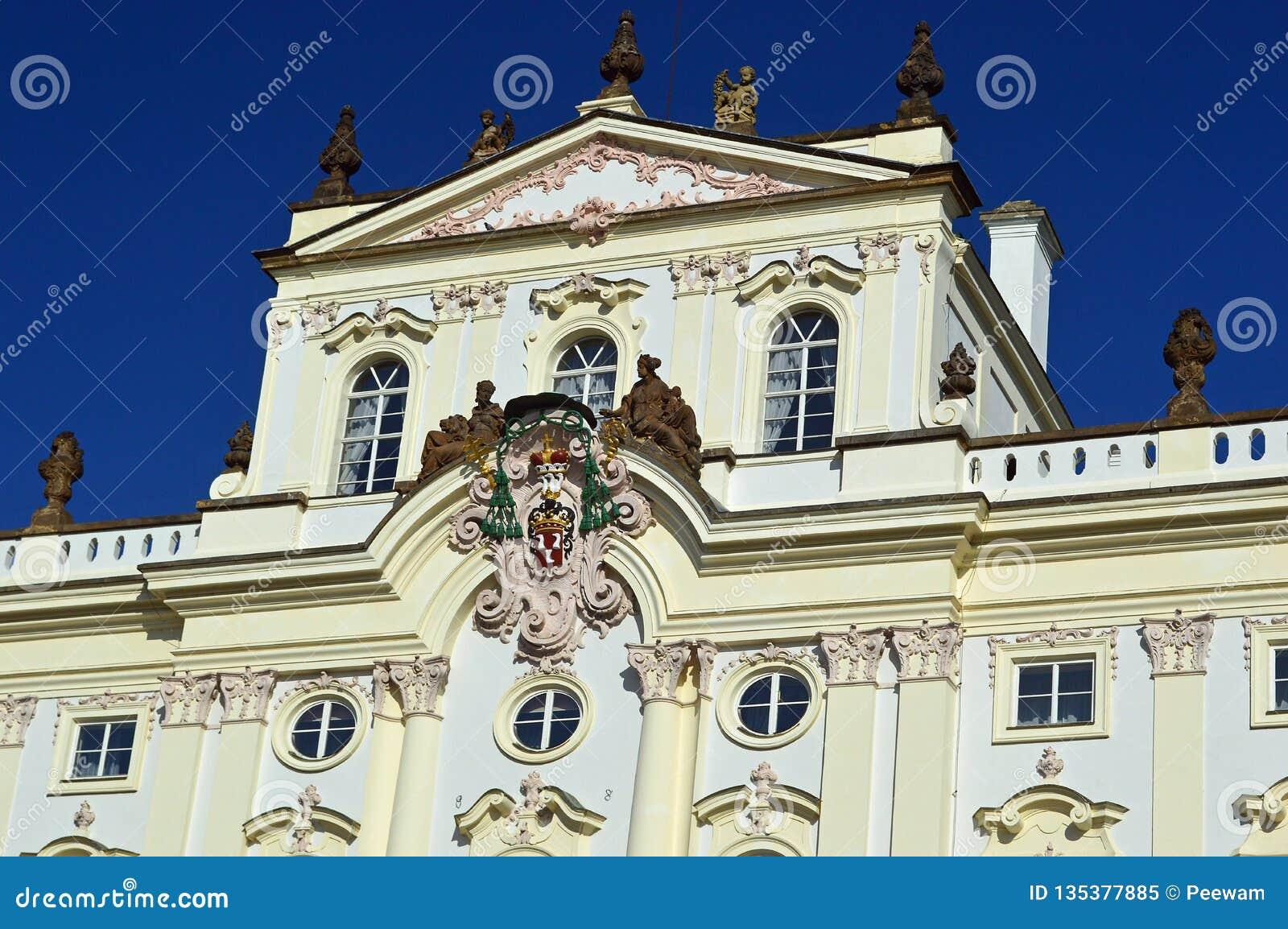 För anské för ärkebiskop Palace på stà för› för mÄ för ¡ för HradÄ anské Nà eller HradÄ fyrkant, i Prague område för slott, P