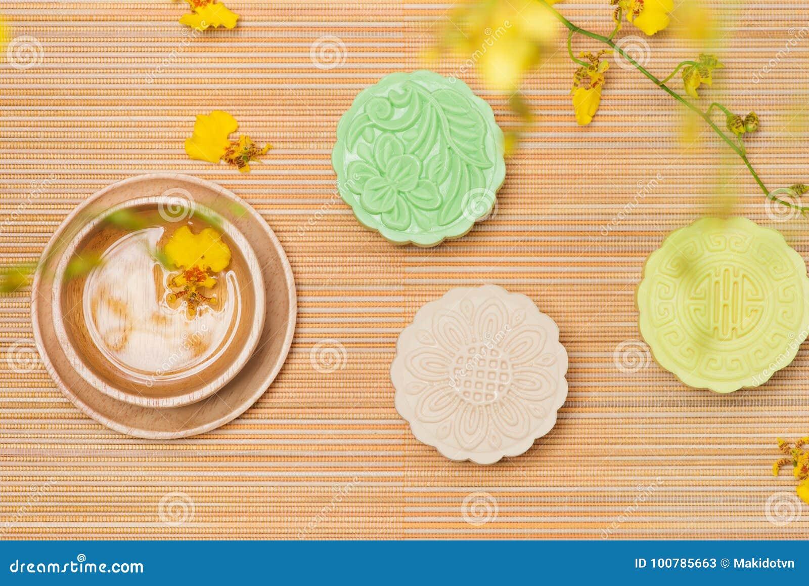 För höstfestival för traditionell kines mitt- mat Snöig hudmooncak