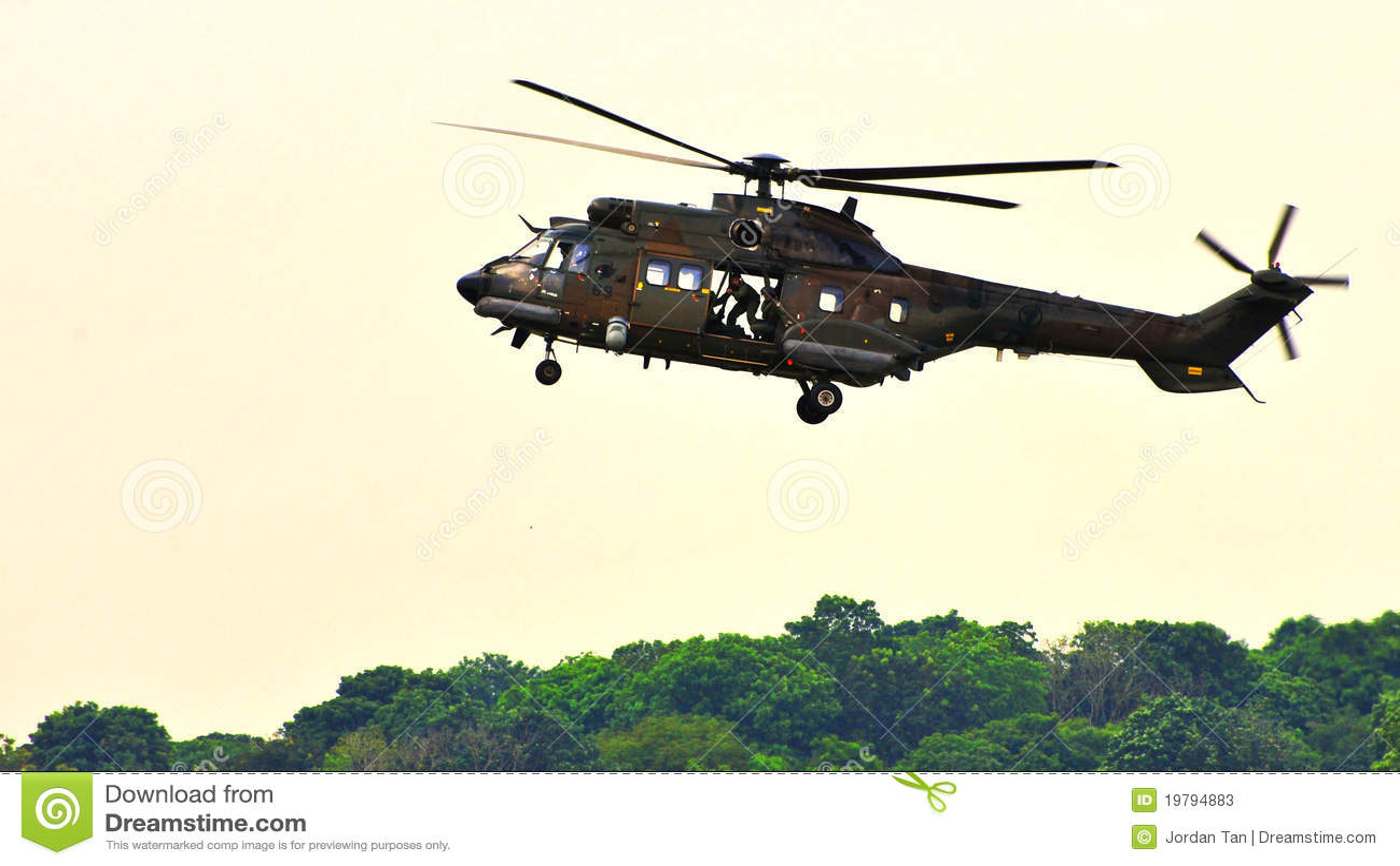 För helikopterpuma för airfield supernärmande sig rsaf