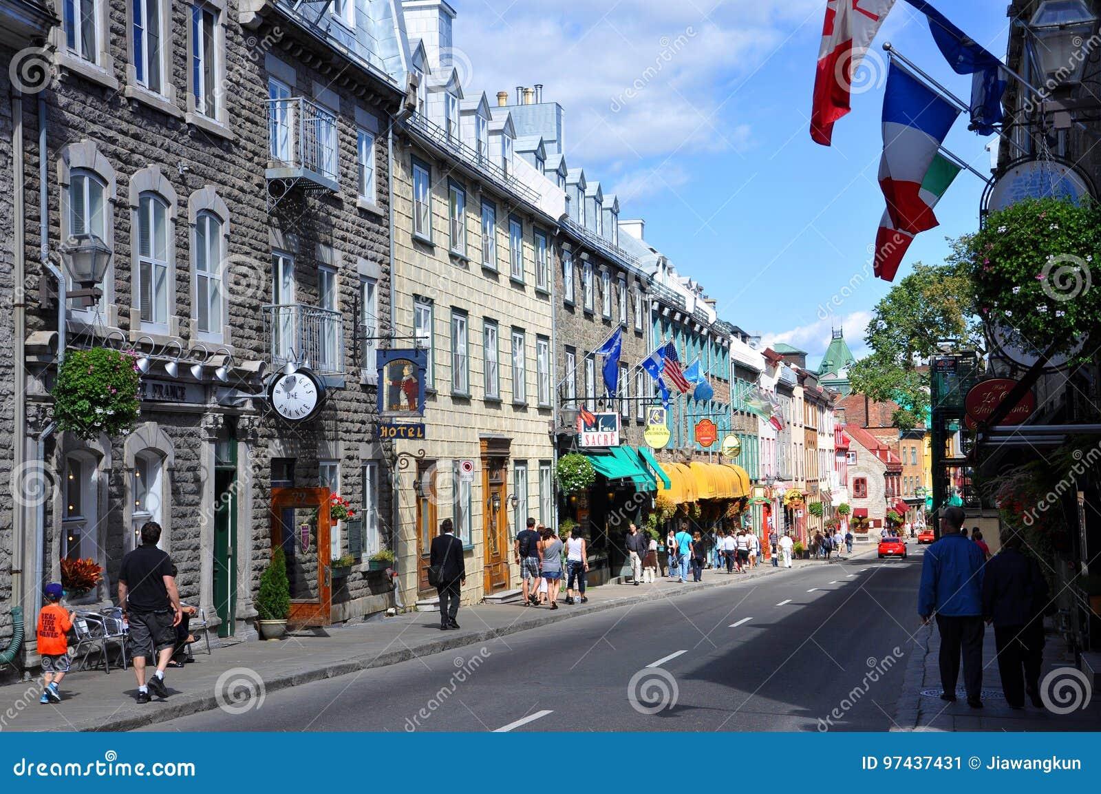För huslouis quebec för stad färgrik saint rue