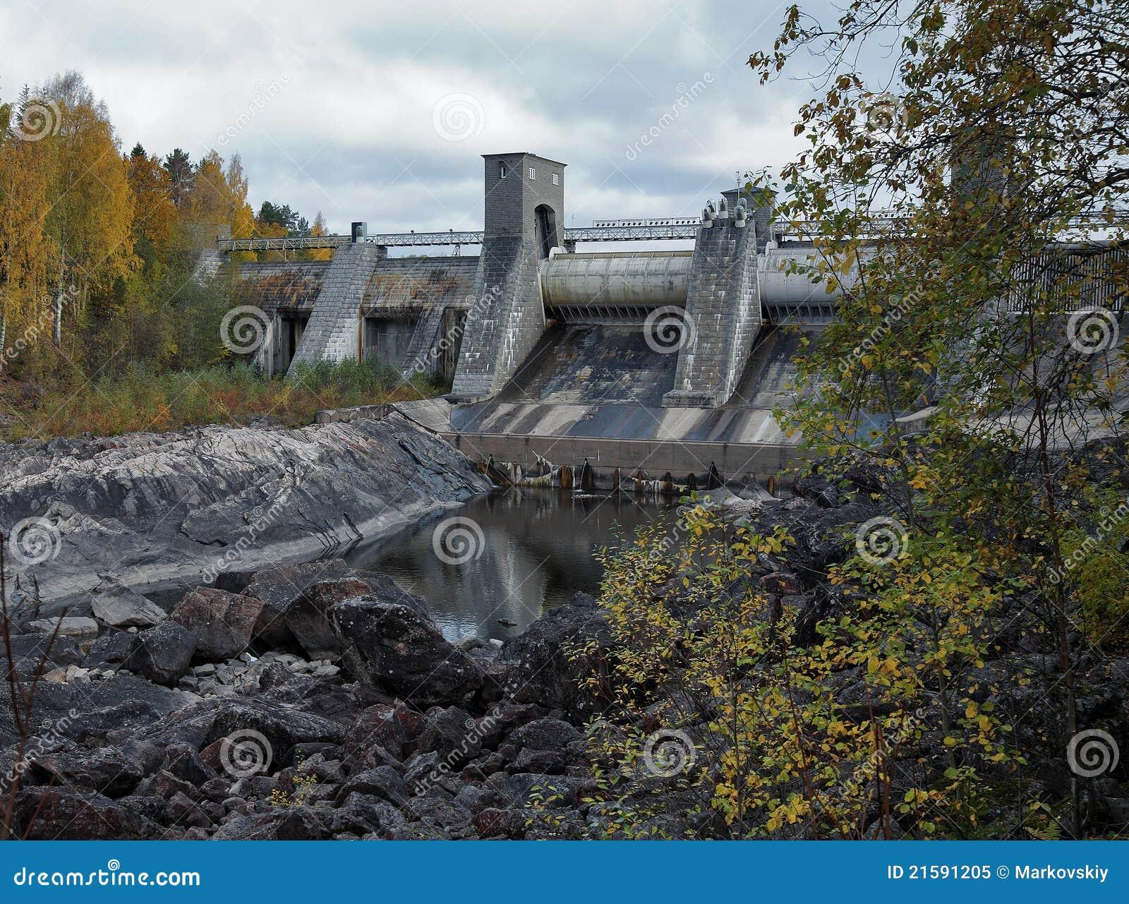 För imatraström för fördämning hydroelektrisk station