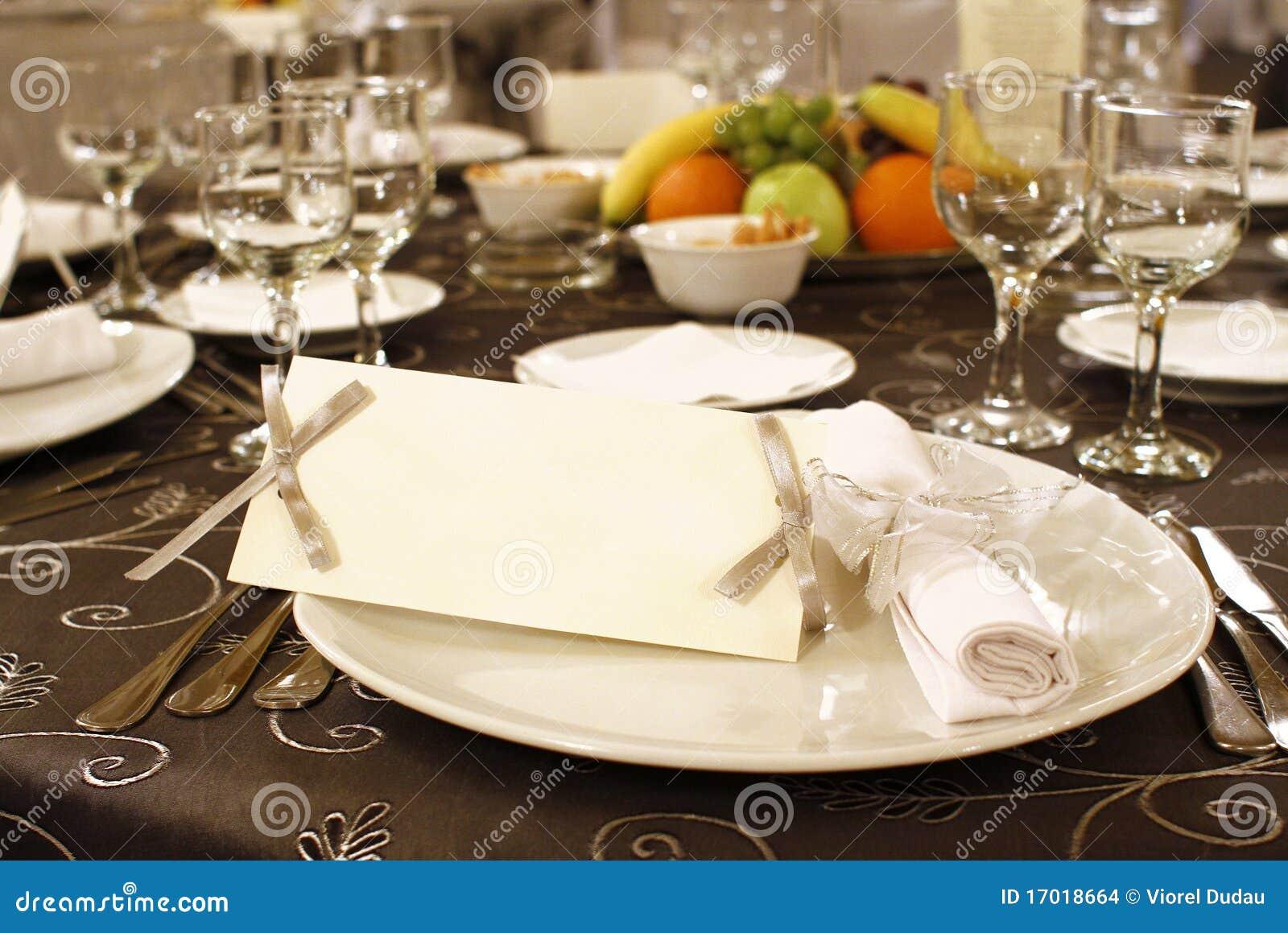 För inbjudantabell för ordning blankt bröllop