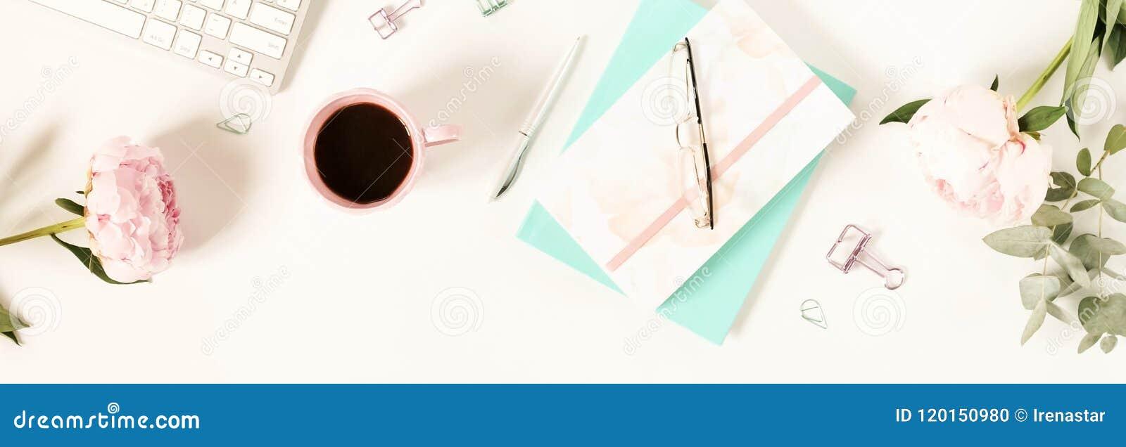 För kvinna` s för lägenhet lekmanna- skrivbord för kontor Kvinnlig workspace