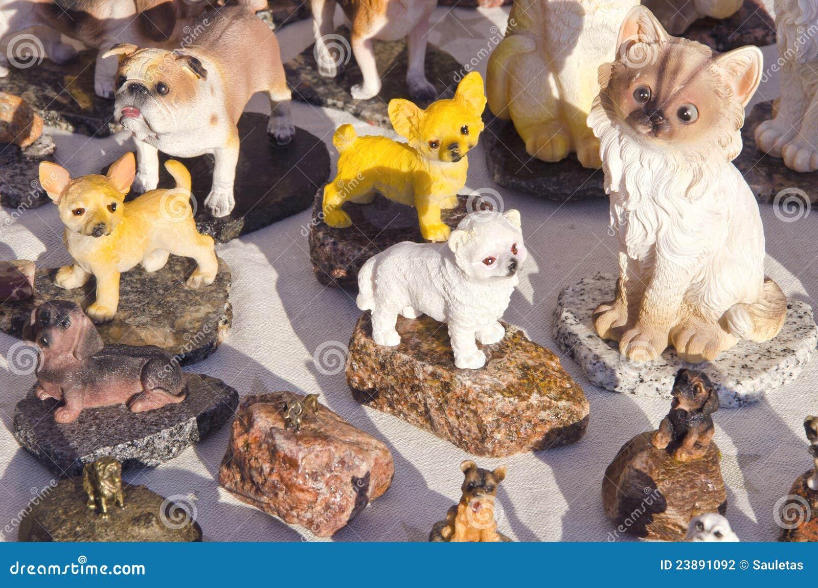 För lerahund för katt handgjord sell för keramiska figurines ganska
