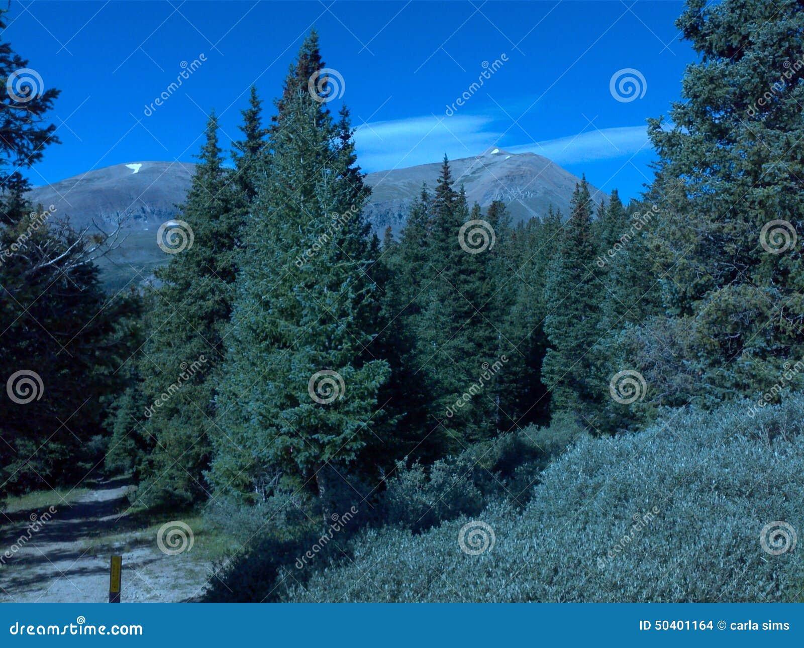 För lovelandpasserande för kontinental skiljelinje colorado berg
