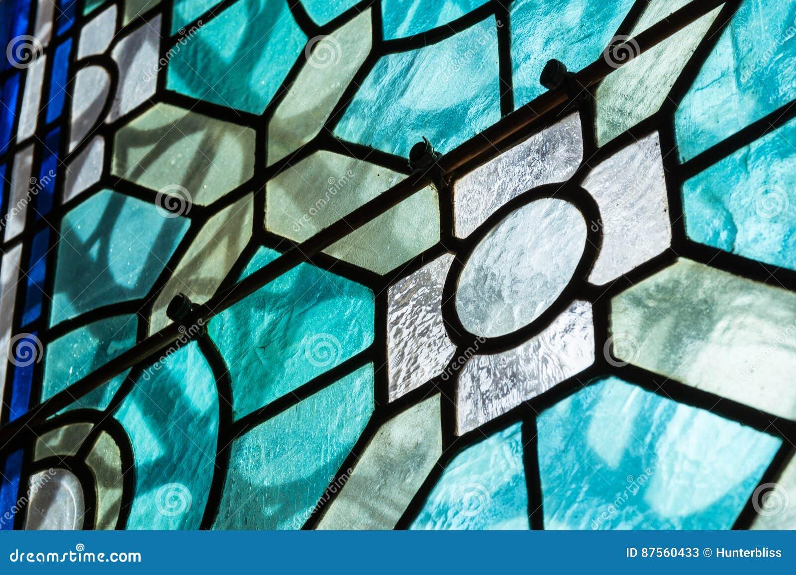 För målat glassCloseupklosterbroder för kyrka kontrast Te för svart inomhus