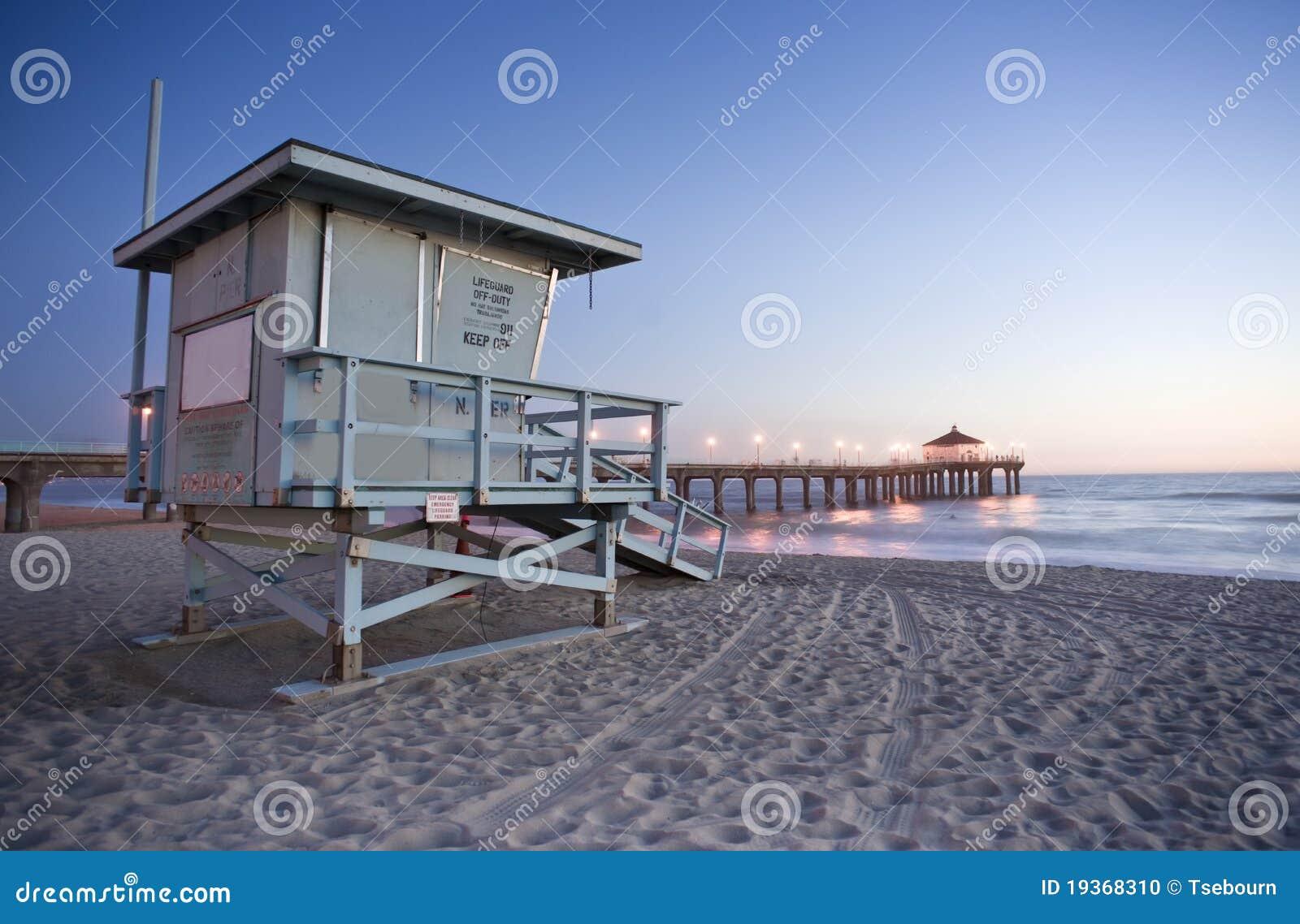 För manhattan för strandguardlivstid torn pir