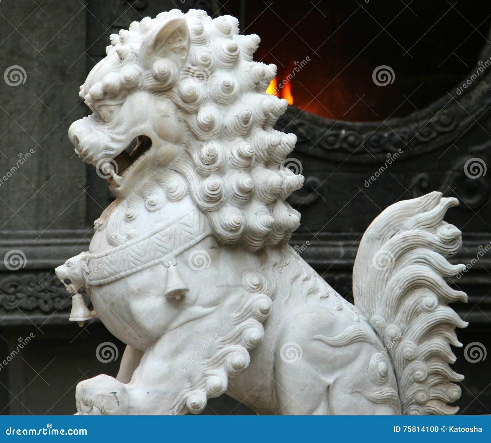 För marmorförmyndare för traditionell kines lejon