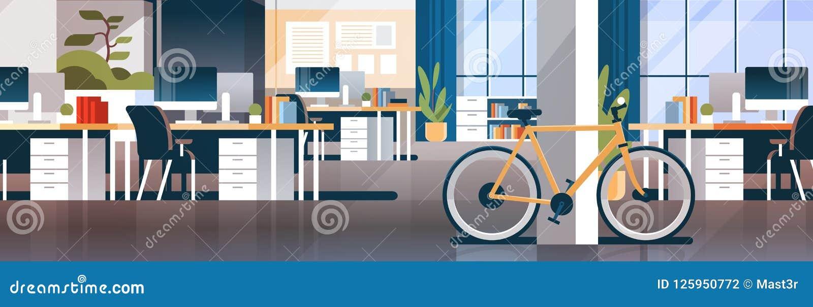 För mittrum för idérikt kontor coworking lägenhet för baner för inre modern för arbetsplats för skrivbord transport för cykel eko