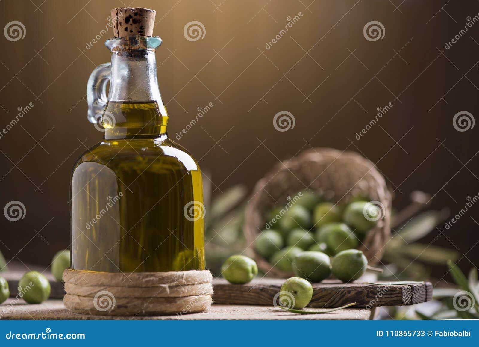 För oljeolivgrön för flaska extra oskuld