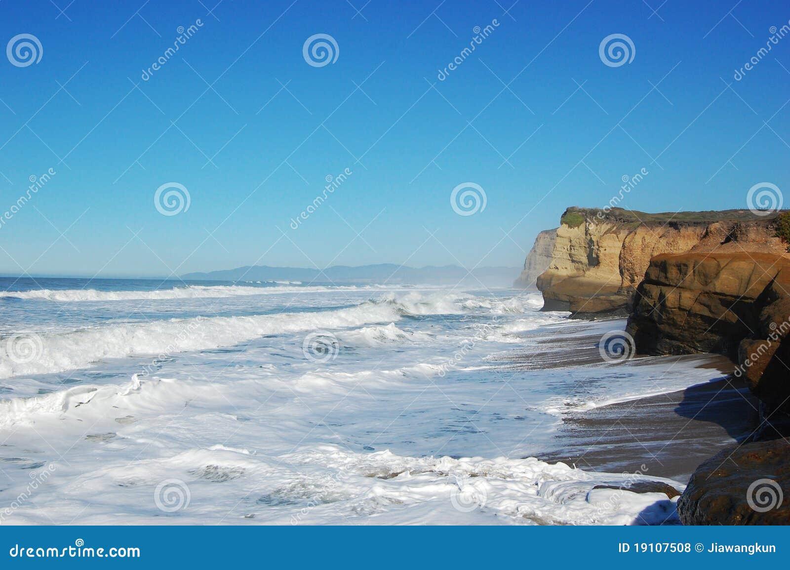 För santa för Kalifornien cruz stenig kust hav