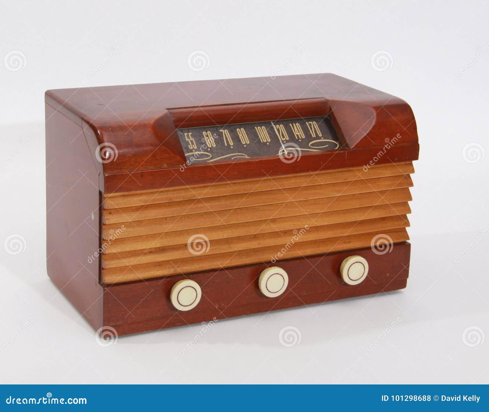 För tabellöverkant för tappning Wood radio