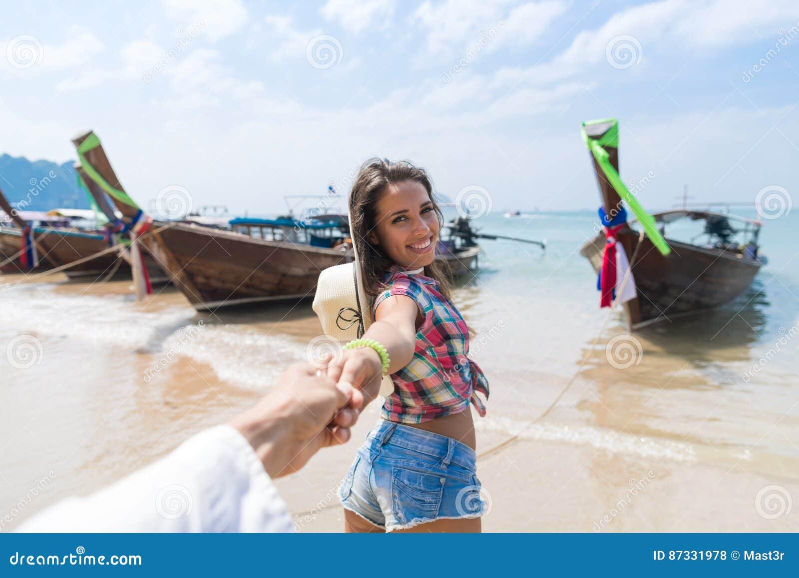 För Thailand för lång svans för barnpar turist- tur för lopp för semester för hav för hav för port fartyg
