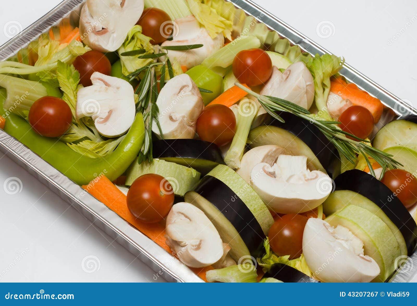 Download Förberedda grönsaker fotografering för bildbyråer. Bild av meny - 43207267