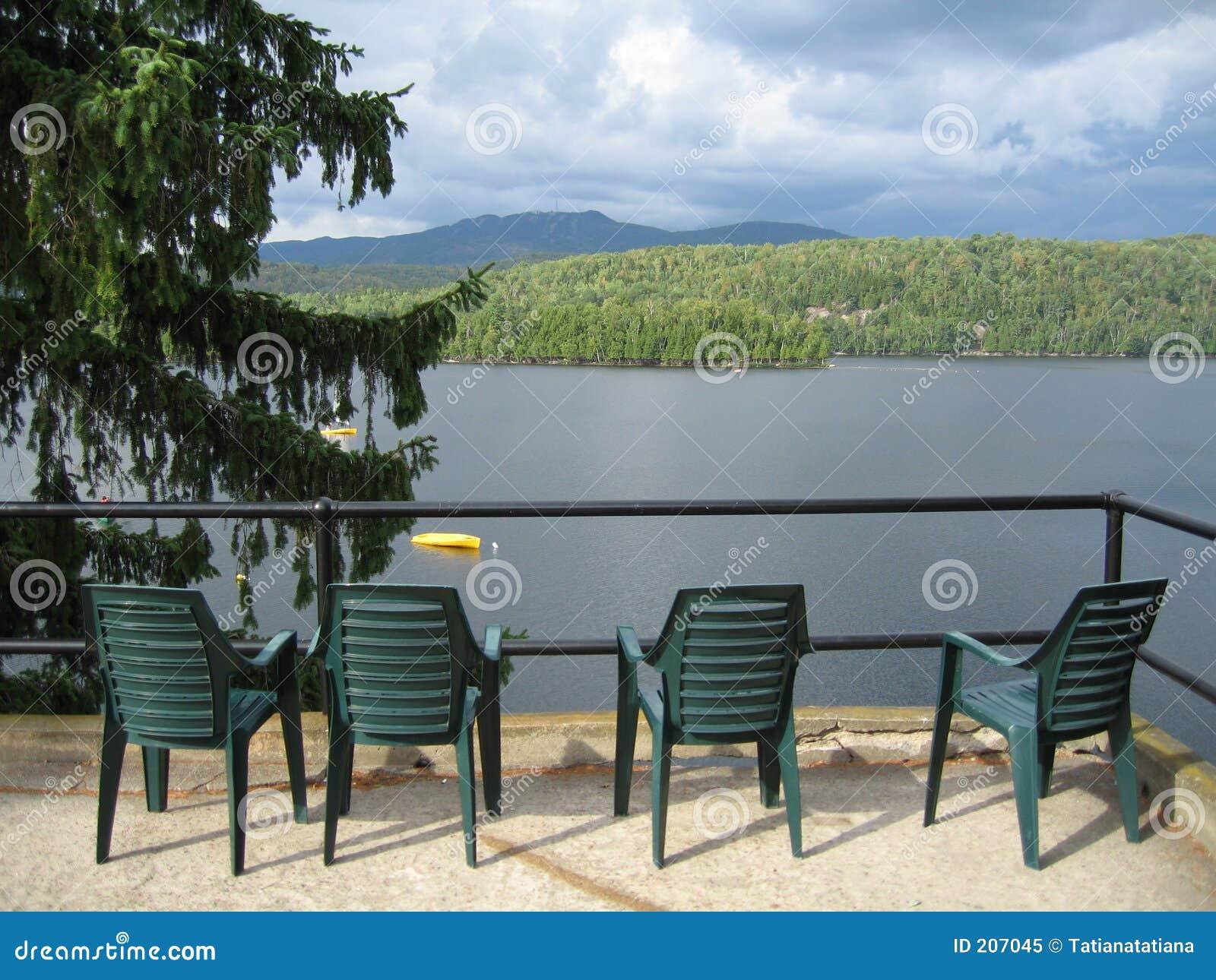 Förbise för lake för stolar fyra grönt