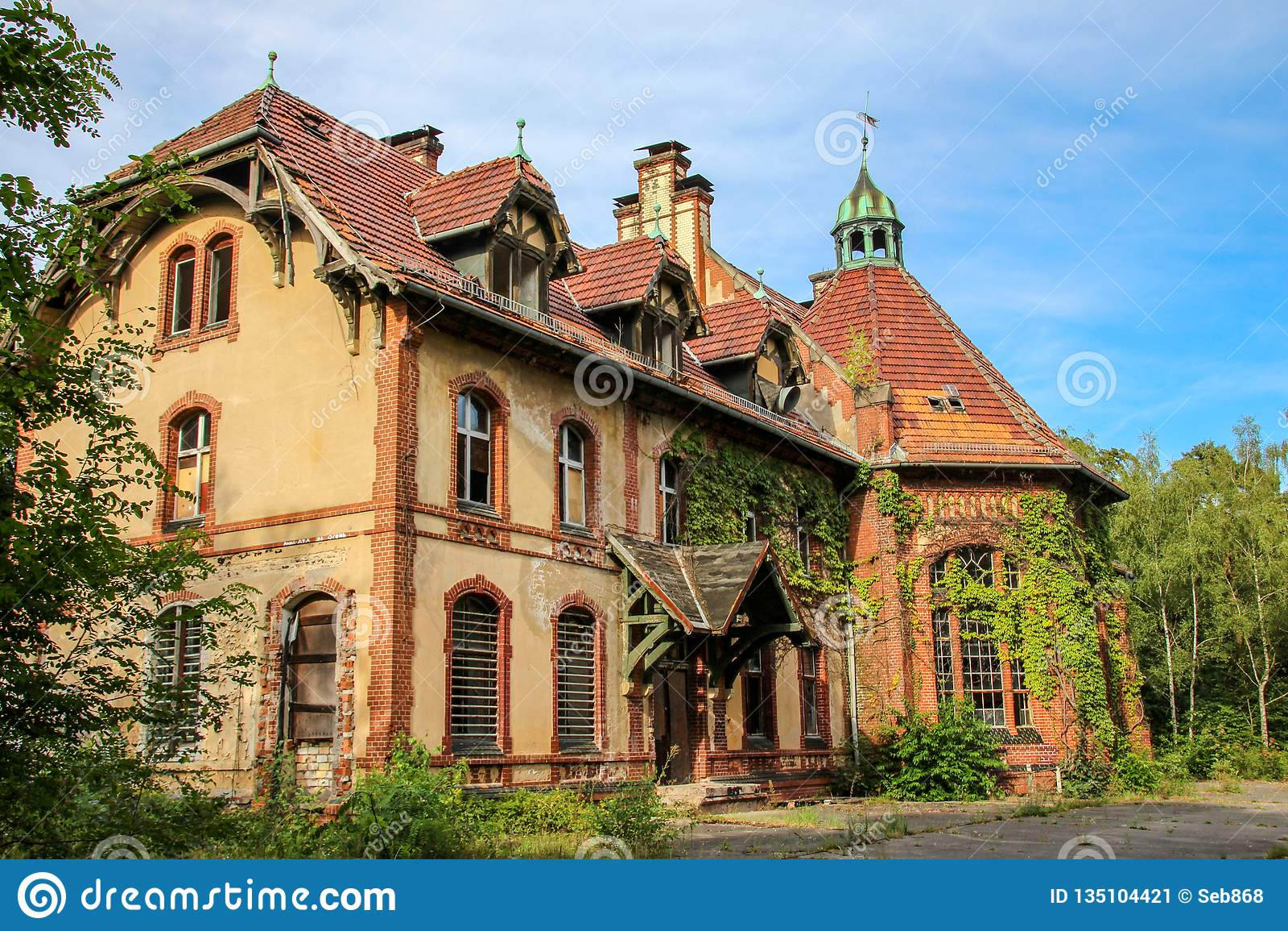 Fördärvar av Beelitz-Heilstätten förlorade stället Berlin Brandenburg
