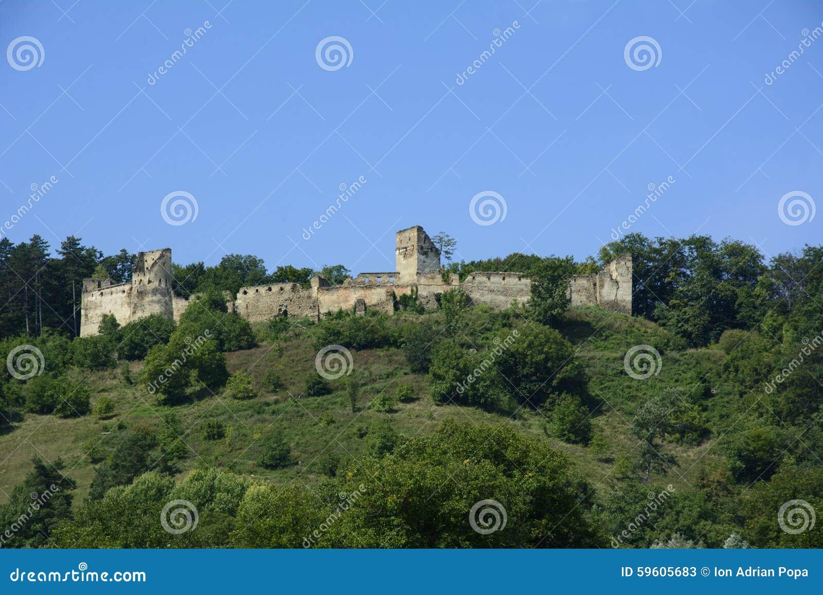 Fördärvar av bondaktig fästning från Saschiz, Transylvania, Rumänien