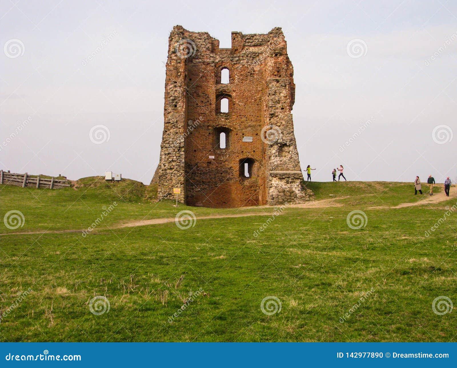 Fördärvar av en forntida feodal slott