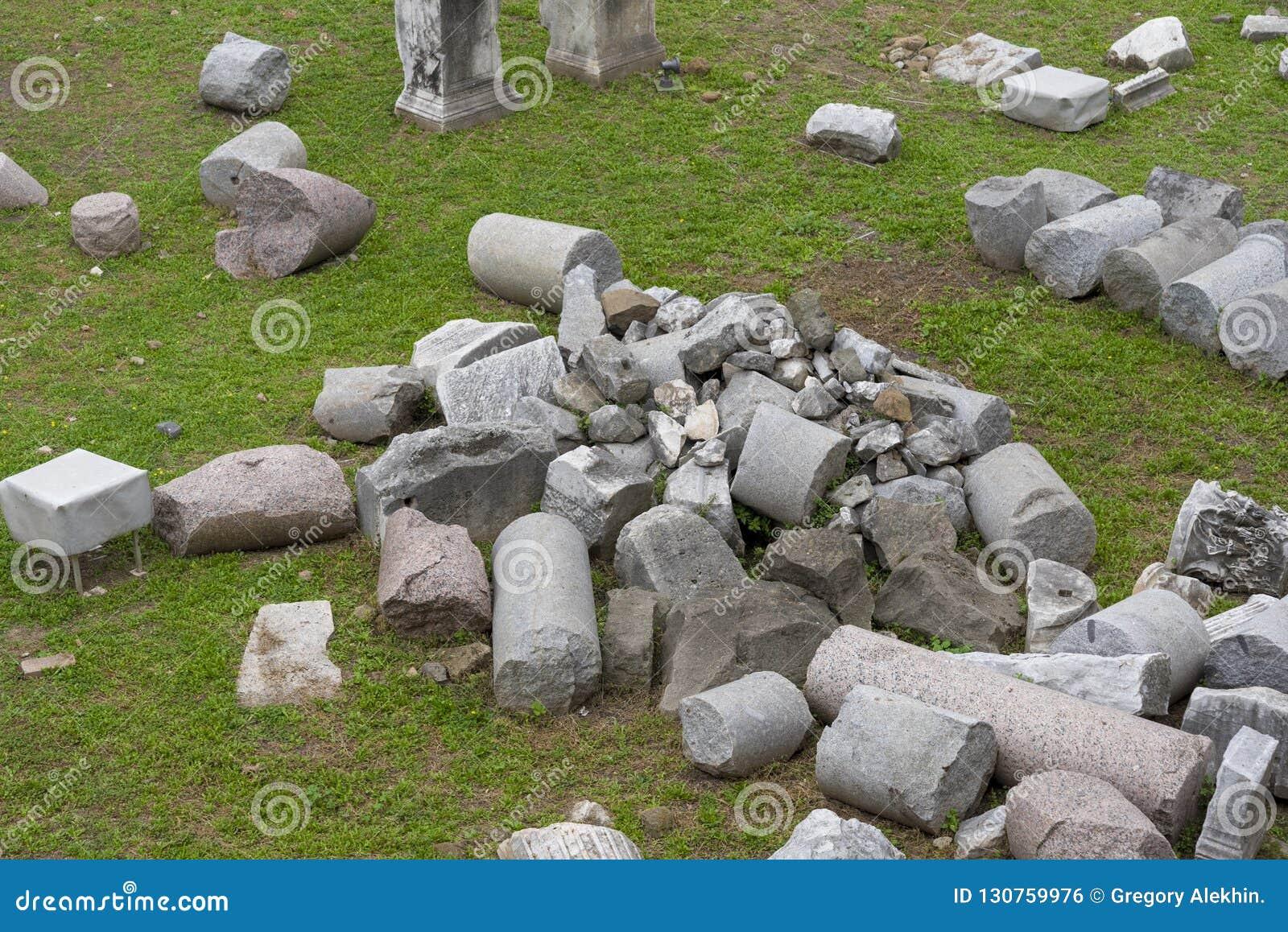 Fördärvar av huset av vestalsna i Roman Forum italy rome
