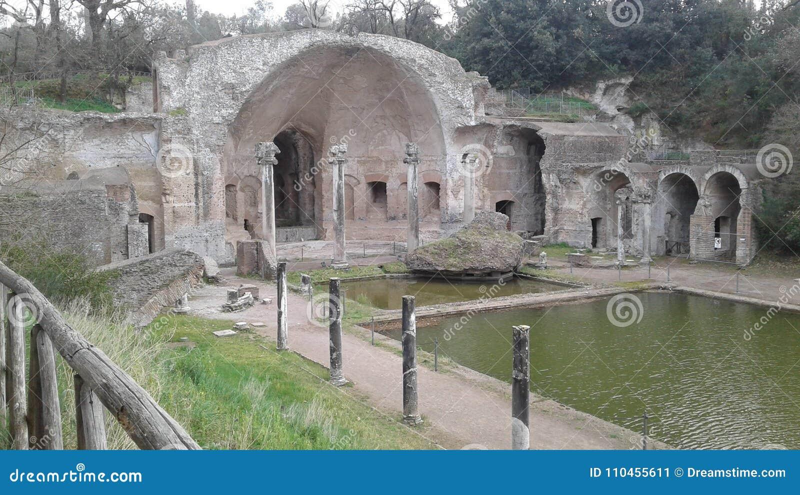 Fördärvar av villan Adriana i Tivoli, Italien