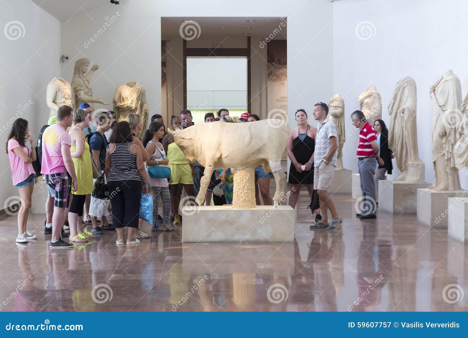 Fördärvar den forntida för det lekgreece för konstruktion crepidomaen detailed peloponnese för olympia arvet olympic philippeione