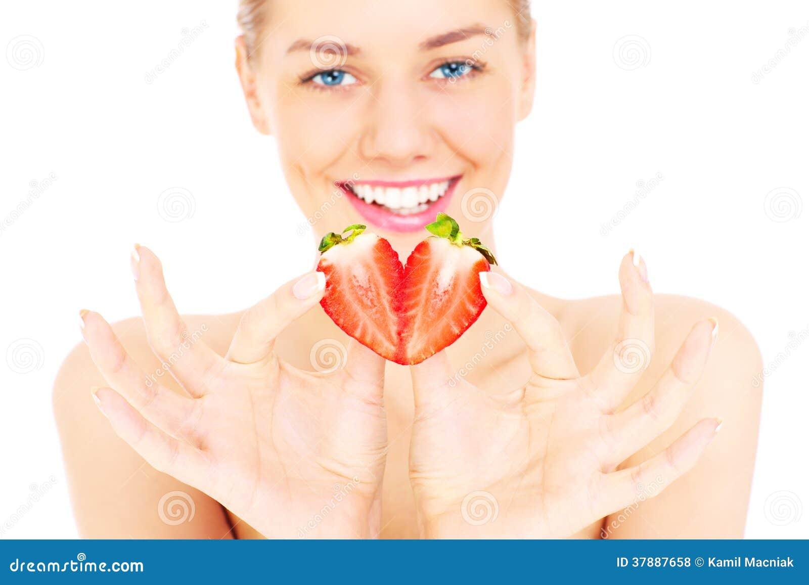 Förförisk kvinna med jordgubben