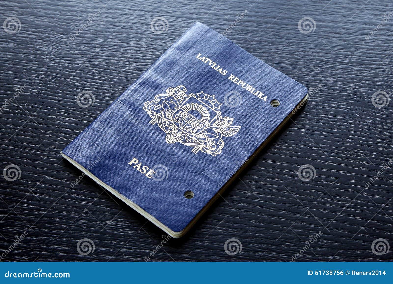 Förfallit ogiltigt pass som är skadat efter förfallodagdag
