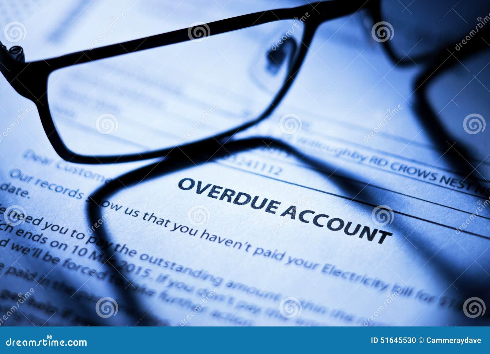 Förfallna kontoräkningar för affär