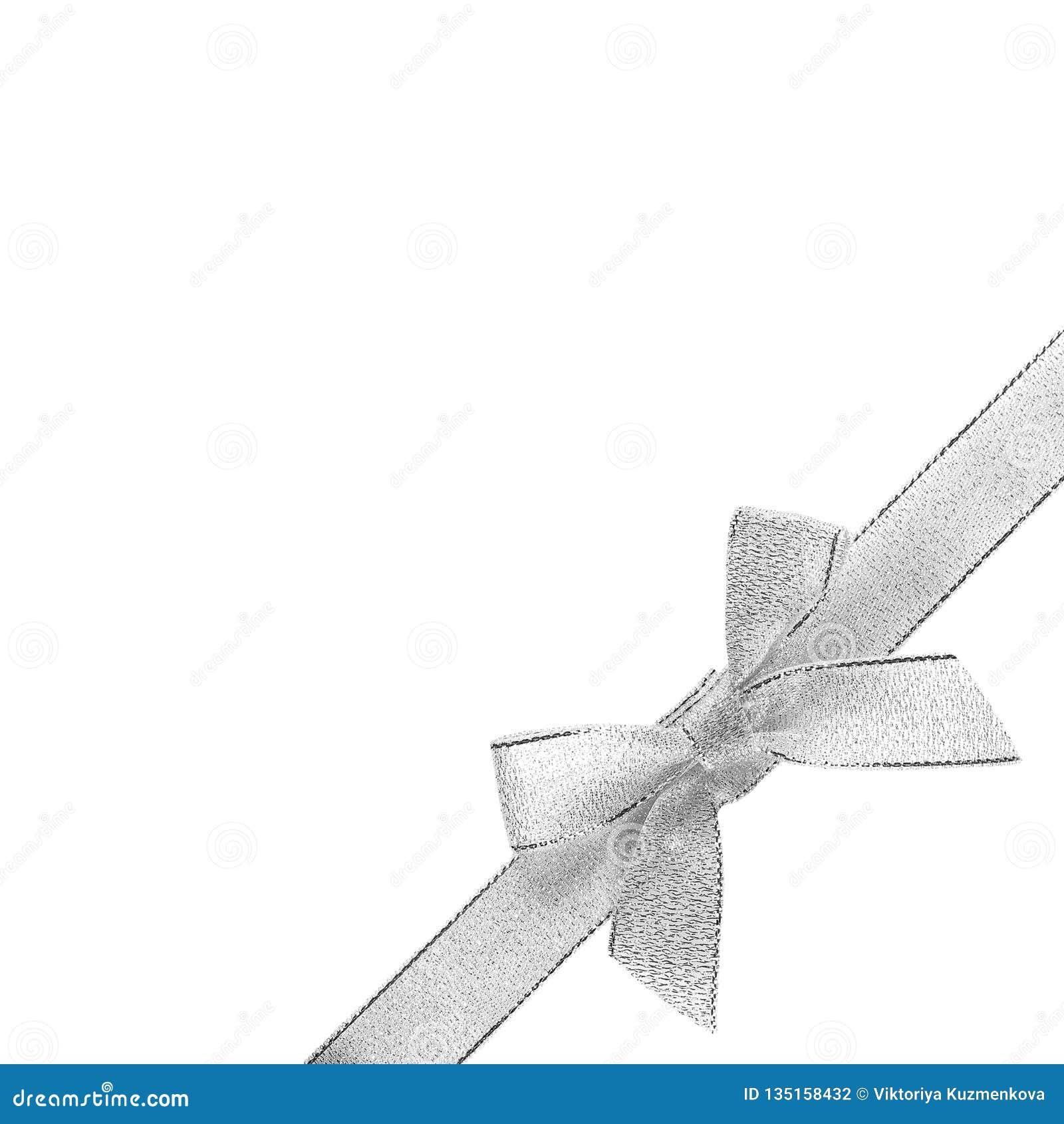 Försilvra pilbågen med bandet i det lägre högra hörnet close upp bakgrund isolerad white