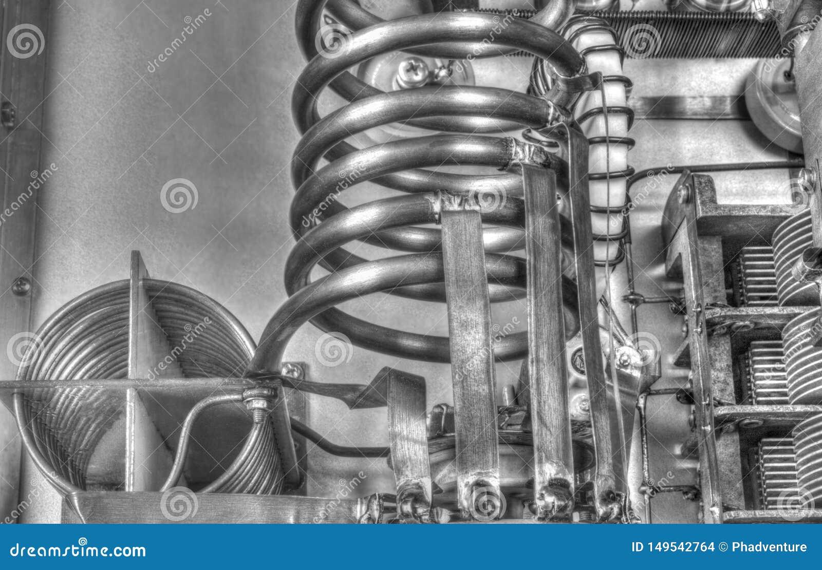 Förstärkare för vakuumrörkortvågmakt i svartvitt