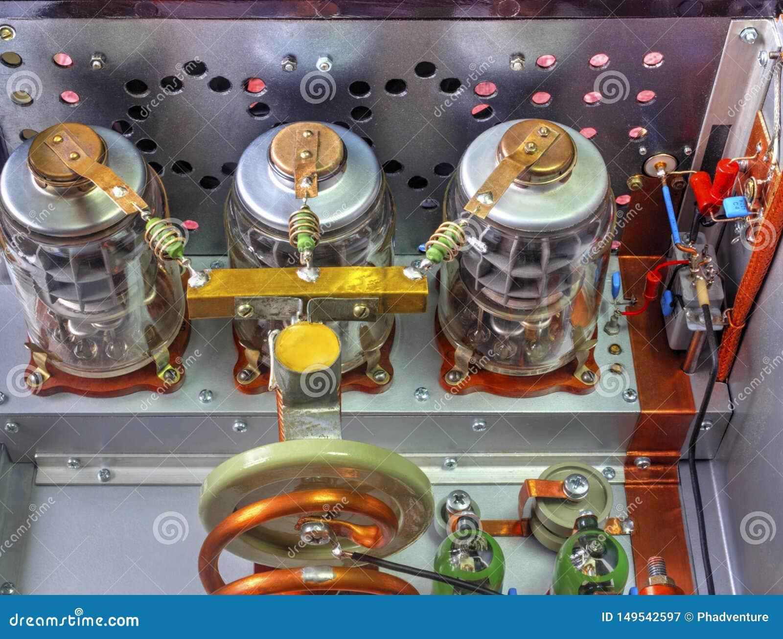 Förstärkare för vakuumrörkortvågmakt