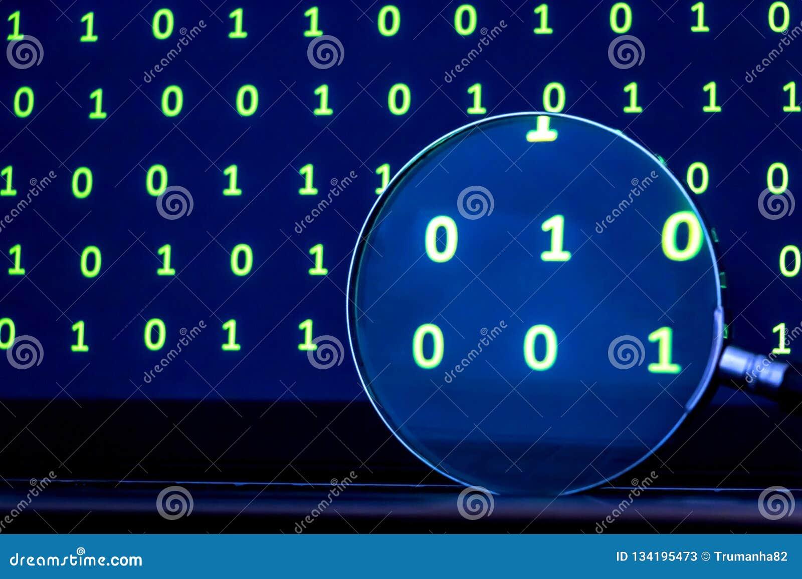 Förstoringsglas som söker för kod från binära data