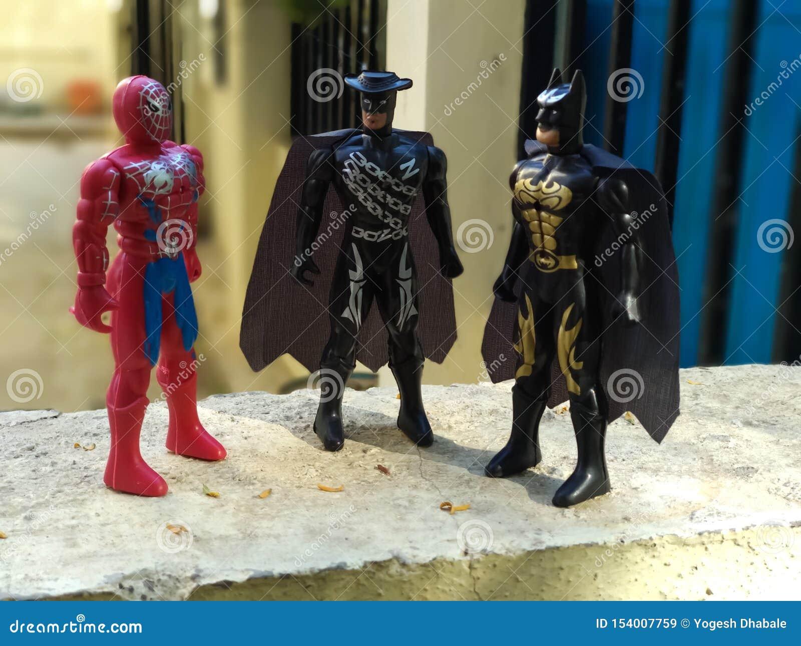 Förundra sig superheros i leksakerform