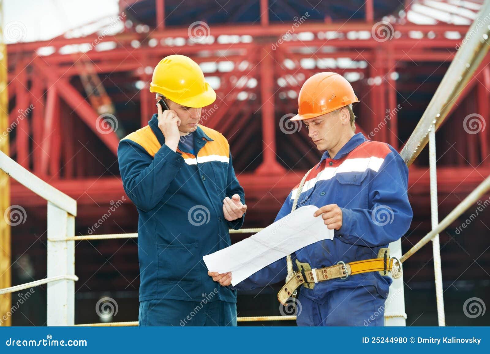 Führt Erbauer an der Baustelle aus