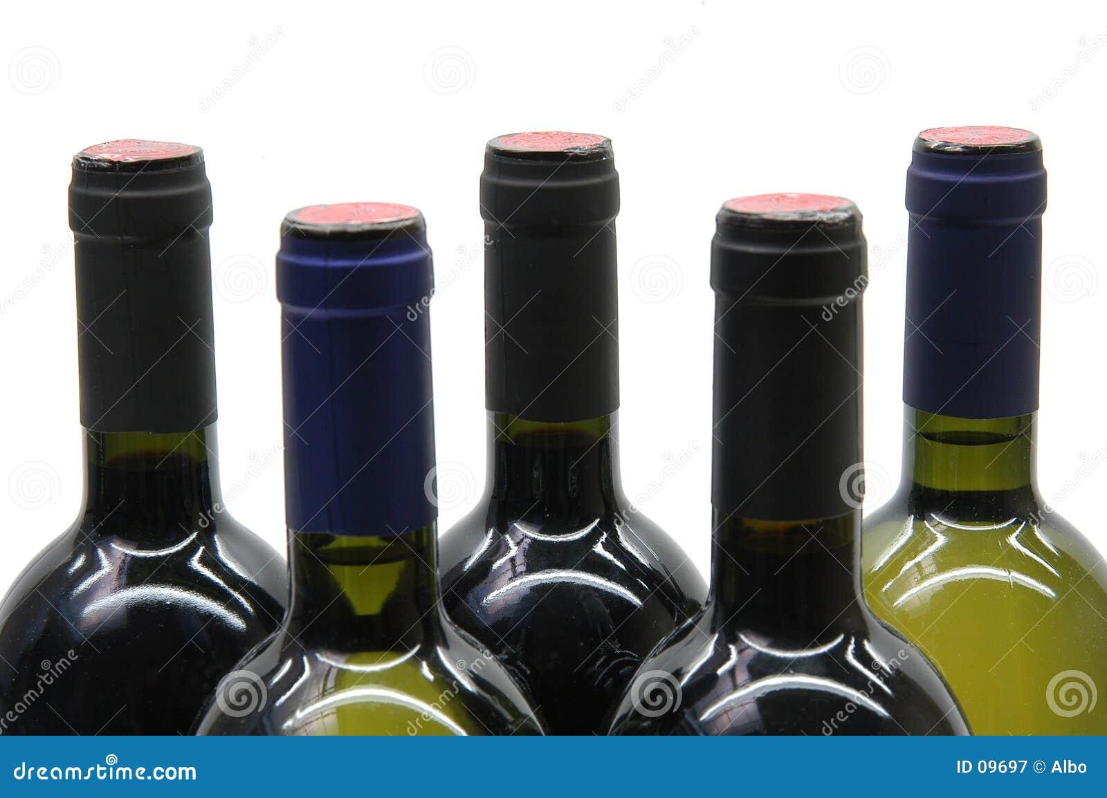 Fünf Flaschen Wein