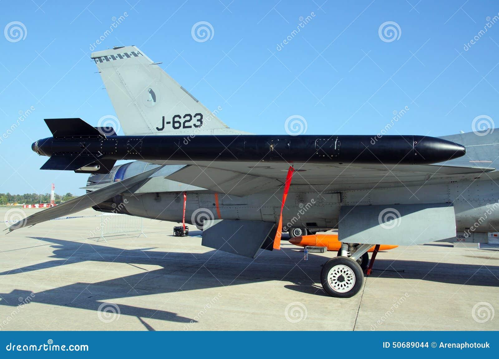 Download F-16猎鹰导弹 编辑类库存图片. 图片 包括有 猎鹰, 动力, 显示, 西部, 航空学, 军事, 战斗 - 50689044