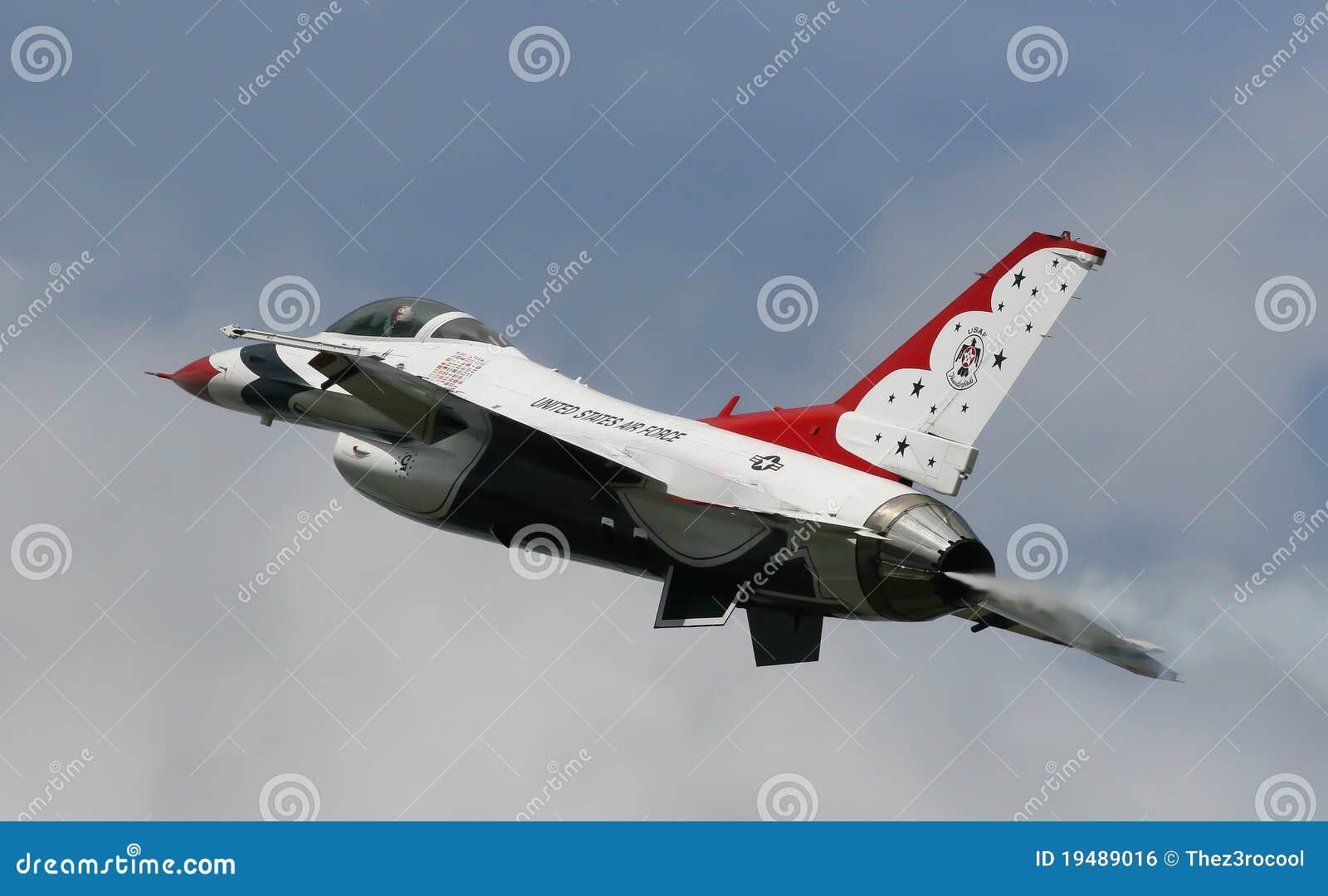 F 16 het Team van de Vertoning van de USAF Thundrbirds