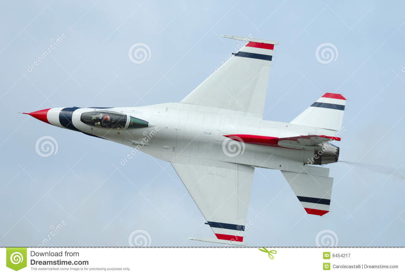 F-16 solo of Thunderbirds