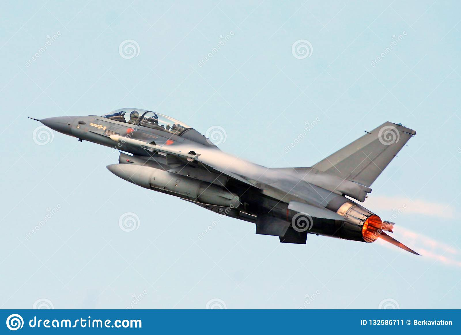 F-16 Fighting Falcon Full Afterburner Stock Image - Image of